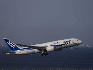 B787, JA803A